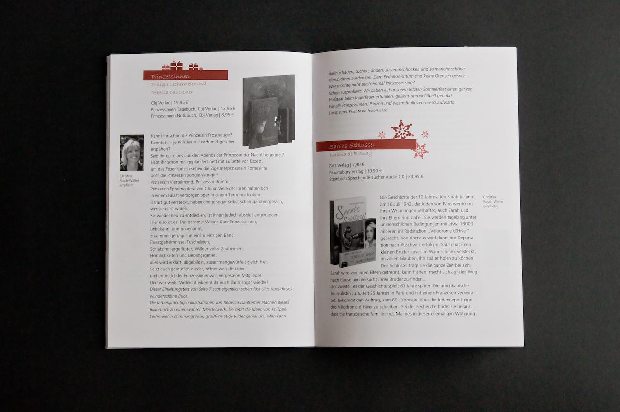 Jeder der Mitarbeiter stellt auf mehreren Seiten seine Lieblingsbücher vor.