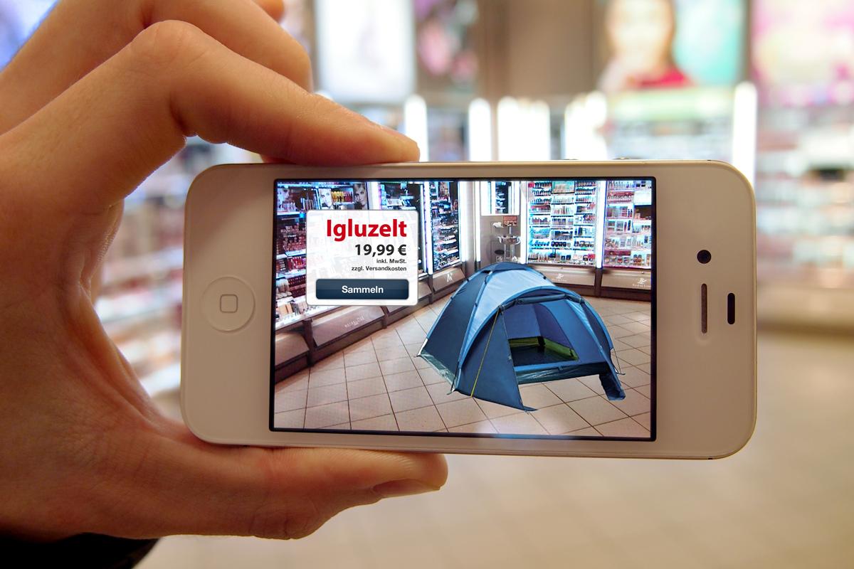 In der Filiale können versteckte Produkte mit dem Telefon gefunden und im Geschäft betrachtet werden. Dabei wird die Realität mit Hilfe des Displays durch ein digital dargestelltes Produkt erweitert.